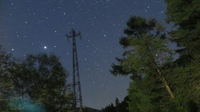 キャンプ場の星空画像